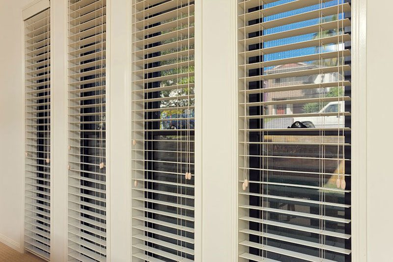 Security Screens on Windows with Blinds
